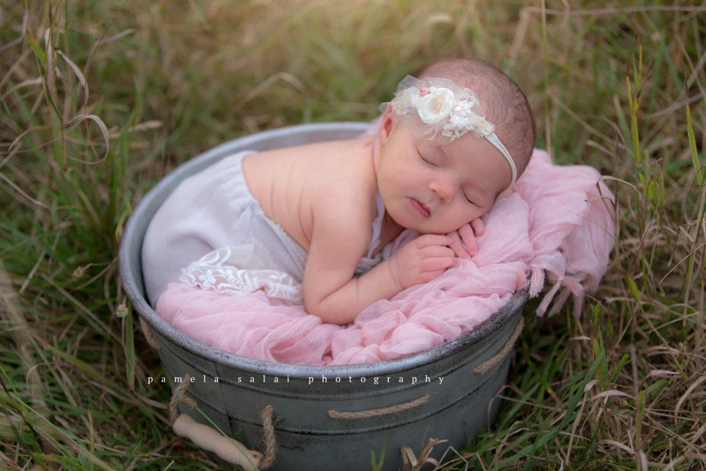 pamela-salai-photography newborn outside pose