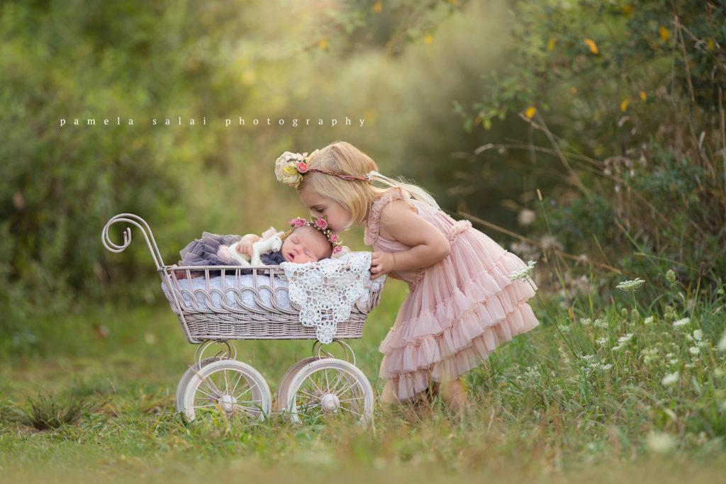 pamela-salai-photography outside newborn unicorn