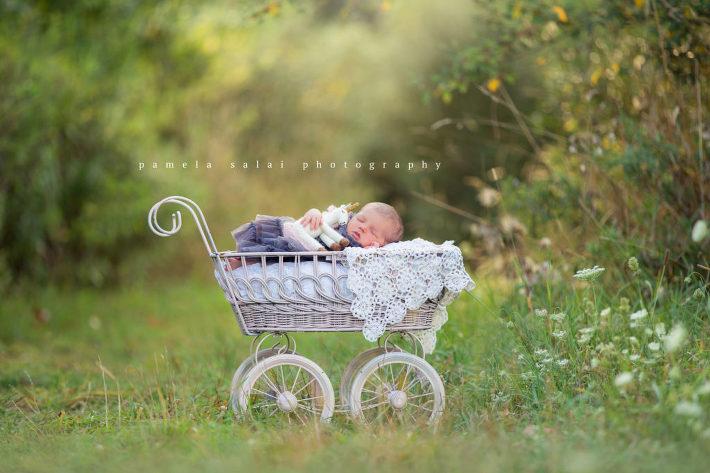 pamela-salai-photography outside newborn pose